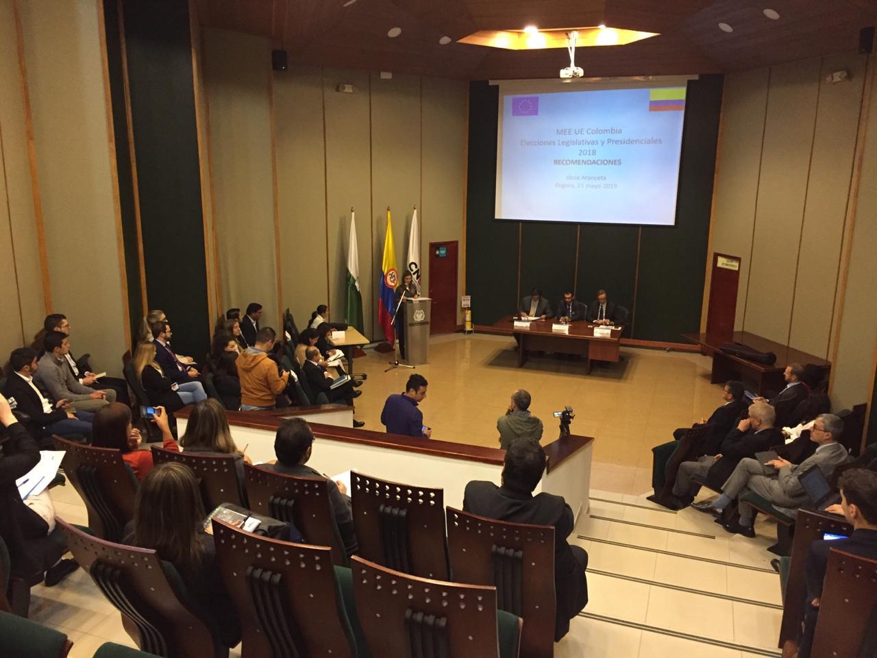 La Unión Europea presentó recomendaciones al sistema electoral colombiano